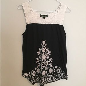 Absolutely Famous size L Crocheted Tank